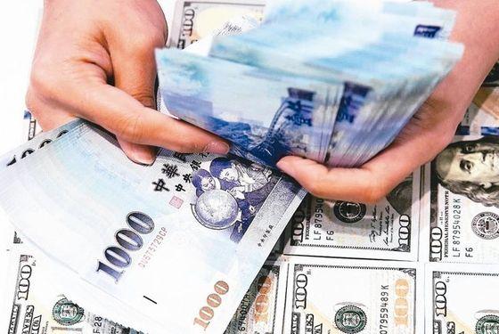 儲蓄險保費調漲、利息變少 還有什麼保單可買?